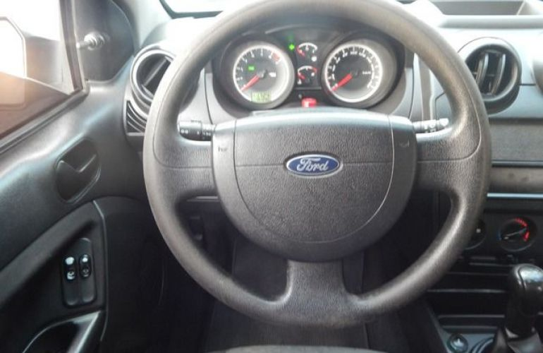 Ford Fiesta Sedan 1.6 MPI 8V Flex - Foto #3