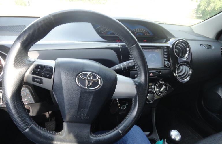 Toyota Etios Cross 1.5 (Flex) - Foto #2