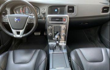 Volvo S60 T6 R-DESIGN 2.0 - Foto #4