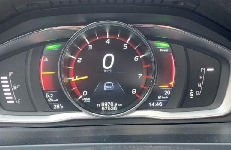 Volvo S60 T6 R-DESIGN 2.0 - Foto #10