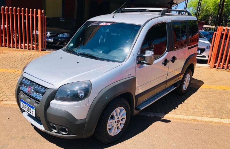 Fiat Doblò Adventure 1.8 8V (Flex) - Foto #2
