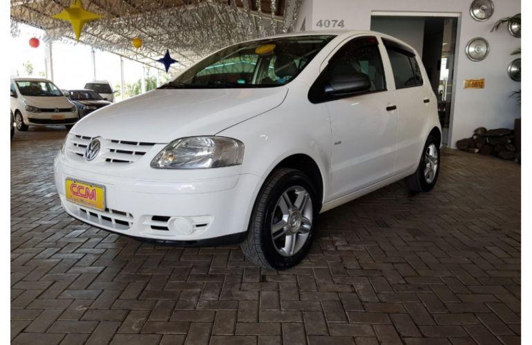 Volkswagen Fox Plus 1.6 8V - Foto #3