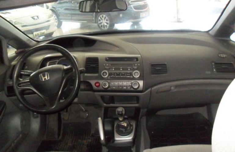 Honda Civic LXS 1.8 16V Flex - Foto #6
