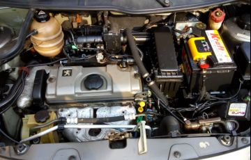 Peugeot 207 SW XR 1.4 8V (flex) - Foto #8