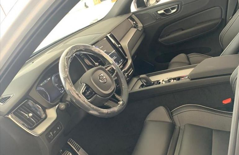 Volvo XC60 2.0 T8 Hybrid R-design AWD Geartronic - Foto #7