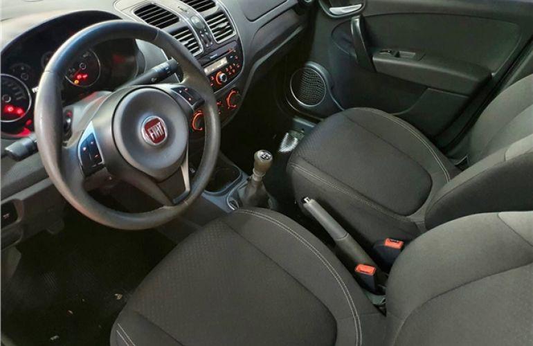 Fiat Grand Siena 1.4 MPi Attractive 8V Flex 4p Manual - Foto #6