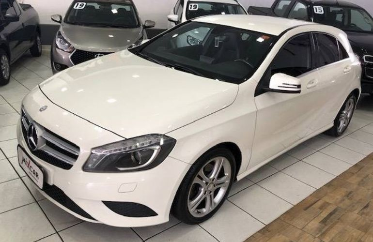 Mercedes-Benz Classe A 200 Style 1.6 DCT Turbo - Foto #3