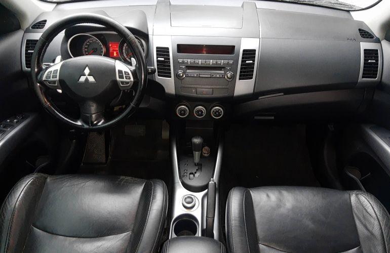 Mitsubishi Outlander 3.0 V6 - Foto #3