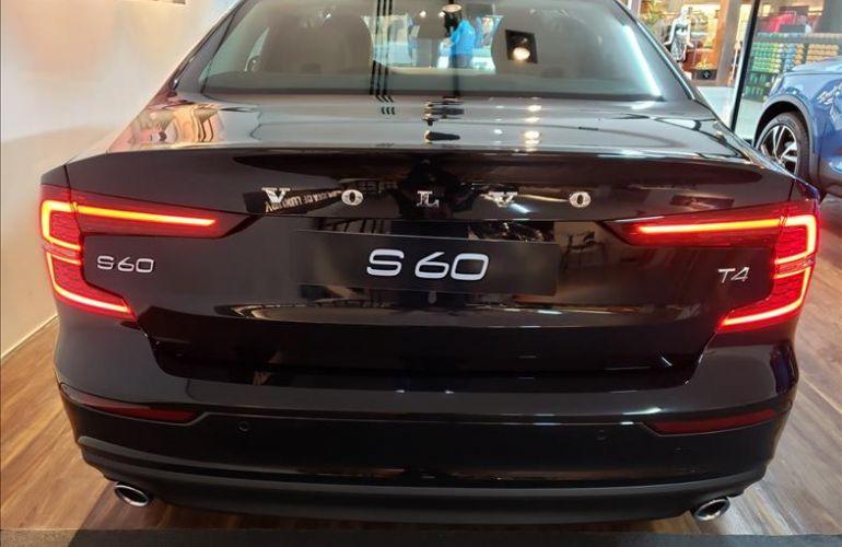 Volvo S60 2.0 T4 Momentum - Foto #6