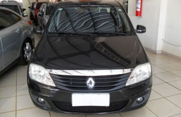 Renault Logan Expression 1.6 8V Hi-Flex - Foto #1