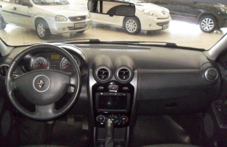 Renault Logan Expression 1.6 8V Hi-Flex - Foto #6