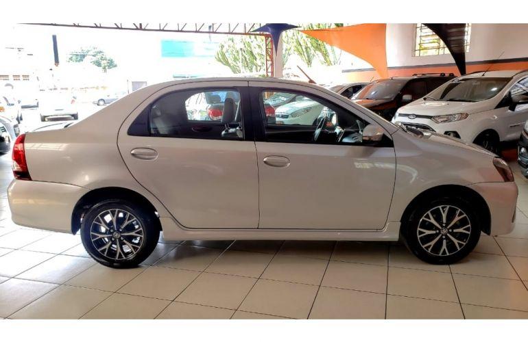 Toyota Etios Sedan Platinum 1.5 (Flex) (Aut) - Foto #4
