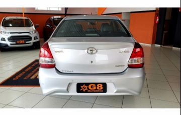 Toyota Etios Sedan Platinum 1.5 (Flex) (Aut) - Foto #6