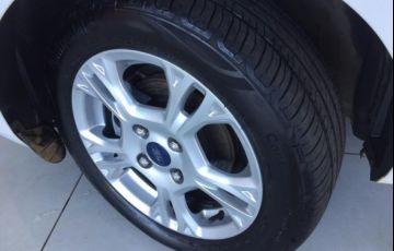 Ford Fiesta Sedan SE PowerShift 1.6 - Foto #6
