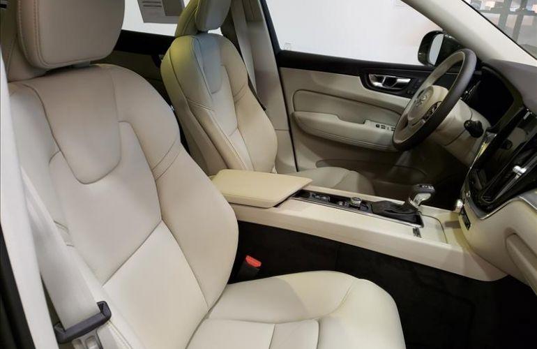Volvo XC60 2.0 T5 Momentum AWD Geartronic - Foto #4