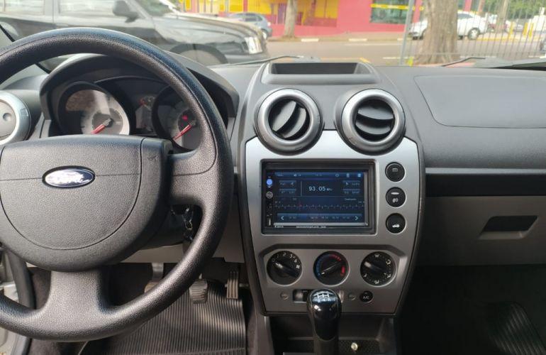 Ford Fiesta Sedan 1.0 - Foto #9