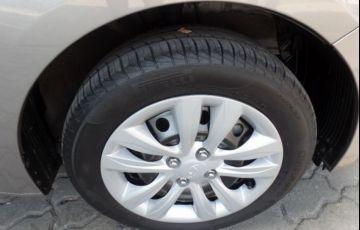 Hyundai HB20S Comfort Plus 1.6 16V Flex - Foto #4