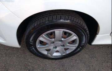 Peugeot 207 Hatch XR 1.4 8V (flex) 4p - Foto #7