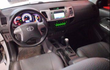 Toyota Hilux 3.0 TDI 4x4 CD SRV (Aut) - Foto #3