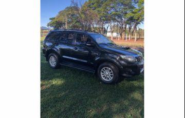 Toyota Hilux SW4 SRV 3.0 TDI 4X4 (5 Lugares) - Foto #3