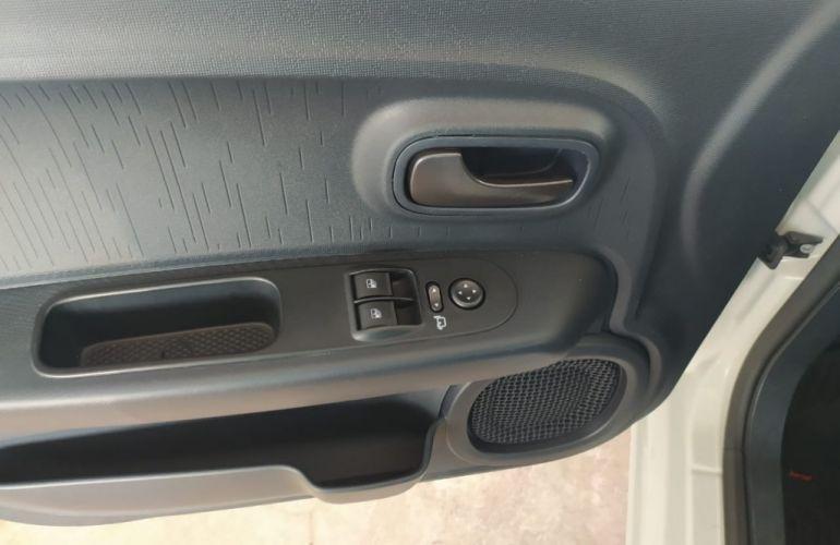Fiat Mobi FireFly Drive GSR 1.0 (Flex) - Foto #10