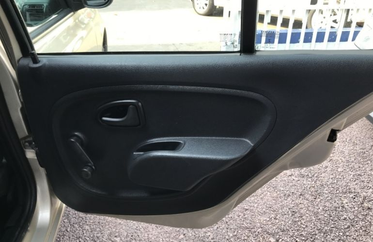Renault Clio Hatch. Expression 1.0 16V (flex) 4p - Foto #7