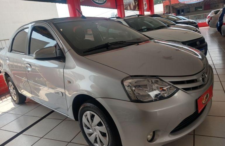 Toyota Etios Sedan XS 1.5 (Flex) (Aut) - Foto #7