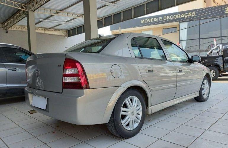 Chevrolet Astra 2.0 MPFi Elegance 8v - Foto #4