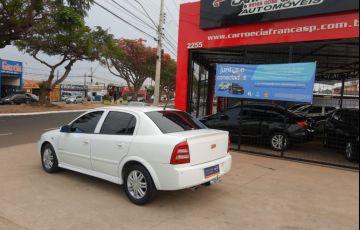 Chevrolet Astra 2.0 MPFi Elegance Sedan 8v - Foto #2
