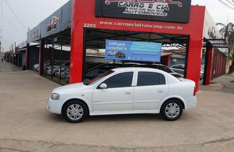 Chevrolet Astra 2.0 MPFi Elegance Sedan 8v - Foto #4