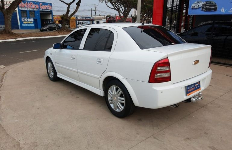 Chevrolet Astra 2.0 MPFi Elegance Sedan 8v - Foto #9