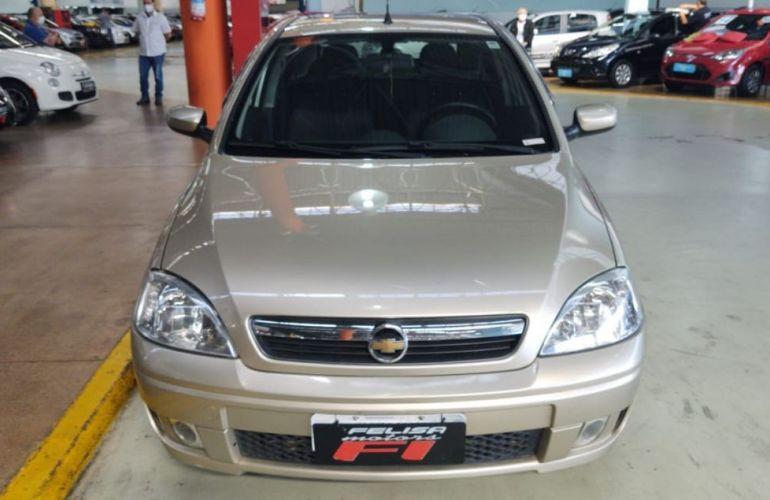 Chevrolet Corsa 1.4 MPFi Premium Sedan 8v - Foto #1