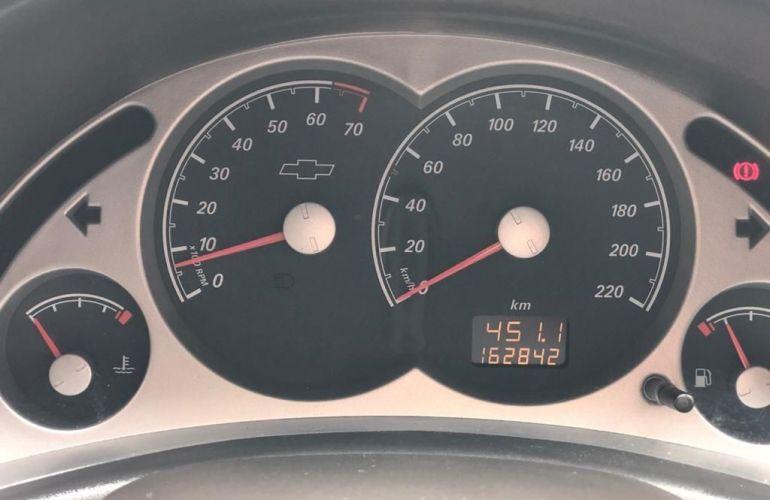 Chevrolet Corsa 1.4 MPFi Premium Sedan 8v - Foto #3