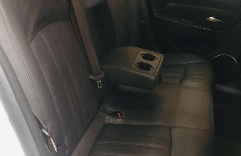 Chevrolet Cruze 1.8 LT 16V Sedan - Foto #3