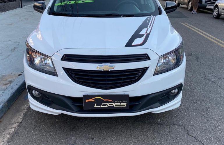 Chevrolet Onix 1.4 MPFi Effect 8v - Foto #3