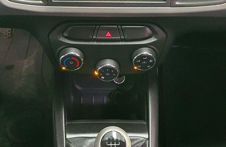 Chevrolet Onix 1.0 MPFi LS 8v - Foto #10