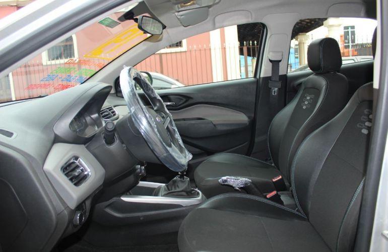 Chevrolet Onix 1.0 LT - Foto #8