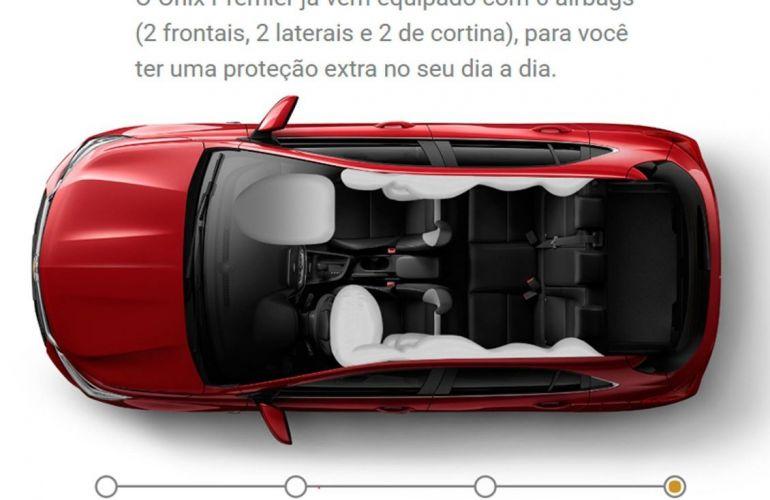 Chevrolet Onix 1.0 Turbo Premier - Foto #2