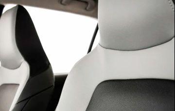 Chevrolet Onix 1.0 Turbo Premier - Foto #8