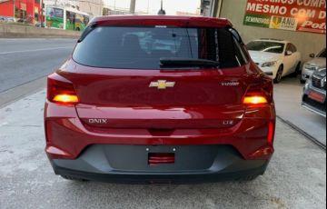 Chevrolet Onix LTZ 1.0 Turbo - Foto #9
