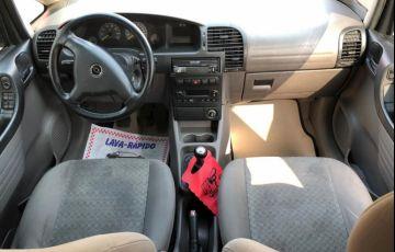 Chevrolet Zafira 2.0 MPFi Comfort 8v - Foto #6
