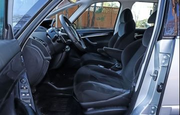 Citroën C4 Grand Picasso 2.0 16v - Foto #3