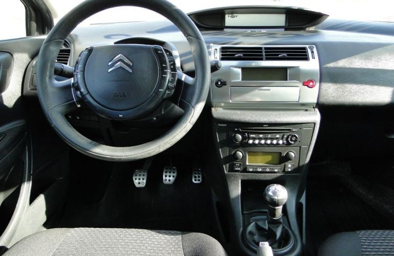 Citroën C4 2.0 Exclusive 16v - Foto #3