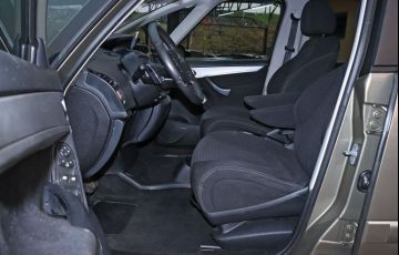 Citroën C4 Picasso 2.0 16v - Foto #9