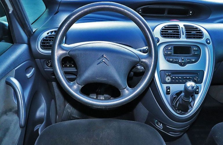 Citroën Xsara Picasso 1.6 I Exclusive 16v - Foto #6