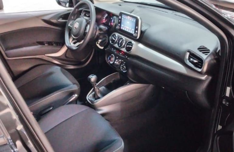 Fiat Argo 1.8 E.torq Precision - Foto #3