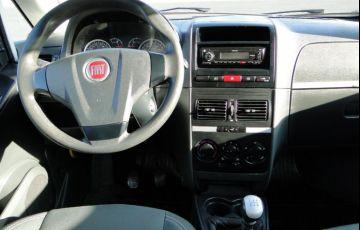 Fiat Idea 1.4 MPi Attractive 8v - Foto #4