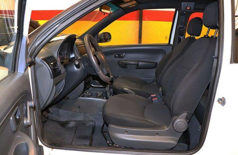 Fiat Strada 1.4 MPi Hard Working CD 8v - Foto #4