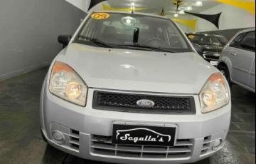 Ford Fiesta 1.6 MPi Sedan 8v - Foto #4