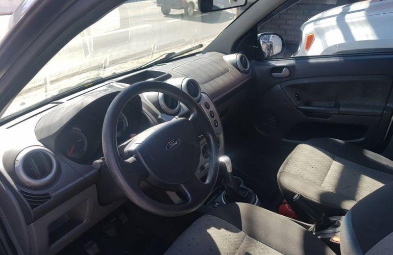 Ford Fiesta 1.6 MPi Hatch 8v - Foto #3